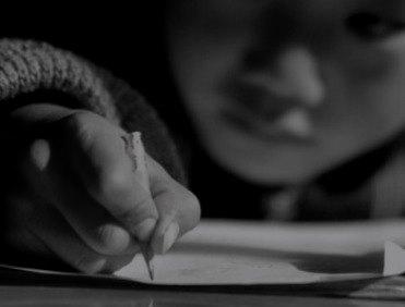 crianca-escrevendo