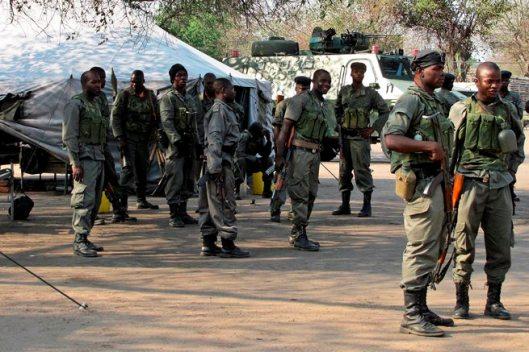 Militares_gorongosa