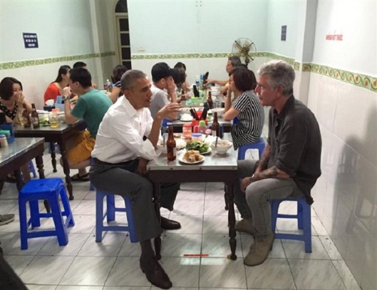 Barack_obama_jantar_hanoi