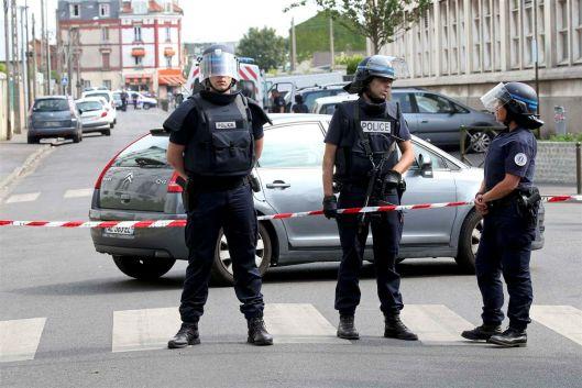 Franca_policias_normandia