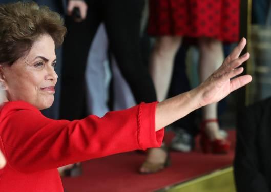 Dilma_rousseff_alvorada_2016_setembro