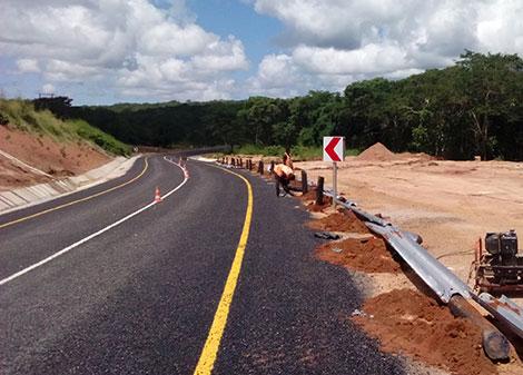 estrada_alcatroada