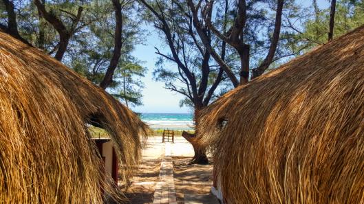 Mocambique_turismo_vida_praia_cabanas